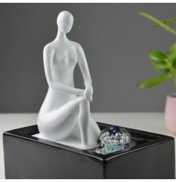 Fontaine Moderne Anna - L 18 x l 13 x H 26 cm - Polyrésine